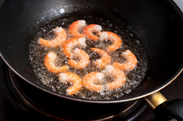 Frying Shrimp in olive oil